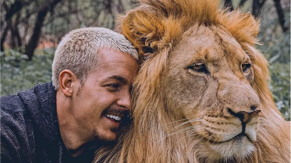 """""""Когда завел себе человека"""": Дин Шнайдер и его подопечные дикие животные"""