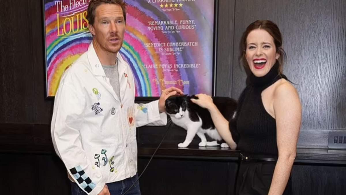 Бенедикт Камбербетч, Клер Фой і чорно-білий котик