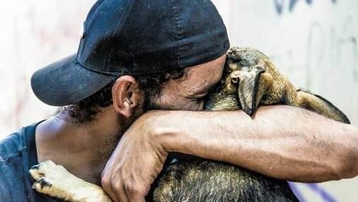 До слез: фотопроект о бездомных людях и их собаках в Бразилии – 25+ трогательных фото